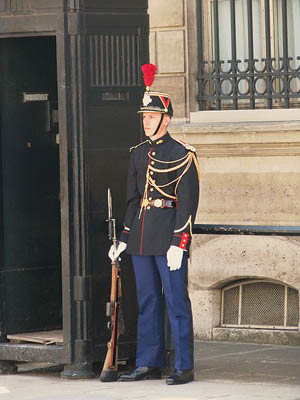Guard_elysee_Palace
