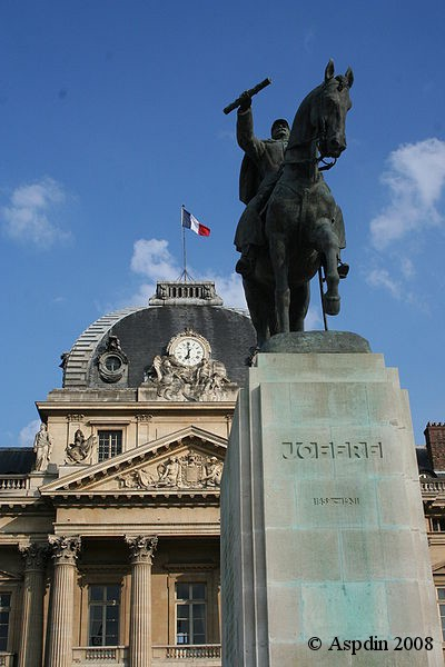 Paris_Ecole_Militaire_in_background